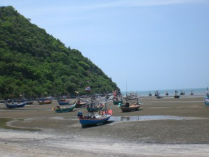 Boats at low tide at Khao Kalok
