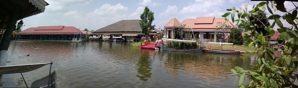 View of Sam Phan Nam Floating Market